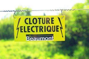 PLAQUE DE SIGNALISATION « Clôture électrique »